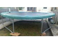 Large heavy duty 12ft trampoline good condition complete