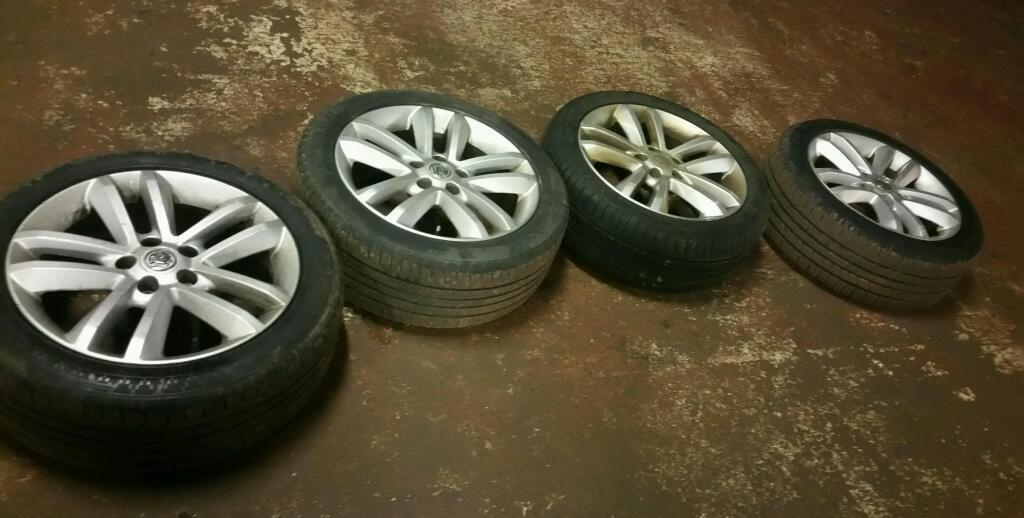 Vauxhall Vectra C 17 inch Alloy Wheels X 4 WITH TYRES