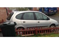 Renault Scenic clean and tidy