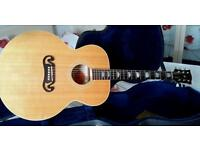 Gibson j100 extra acoustic guitar (stunning blonde)