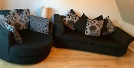 Large 2 Seater Sofa & Cuddle Chair