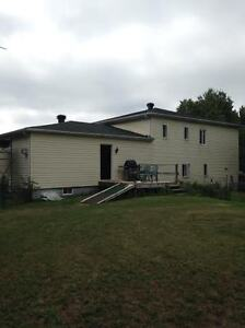 SPACIOUS AFFORDABLE HOME NEAR QUEBEC BORDER West Island Greater Montréal image 6