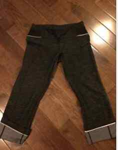 Lululemon Ride On Crops Size 2 in Excellent Like New Condition London Ontario image 1
