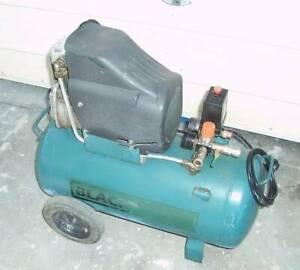 40 L / 2.5 HP Air Compressor.....FREE TOOLS