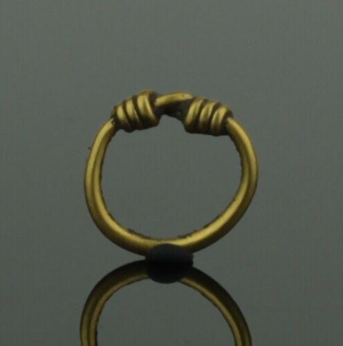 EXQUISITE VIKING GOLD CHILDS RING - CIRCA 9th/10th CENTURY    (018)
