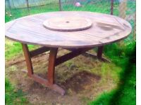 Beautiful Royal Craft large round garden table with lazy susan and free cover
