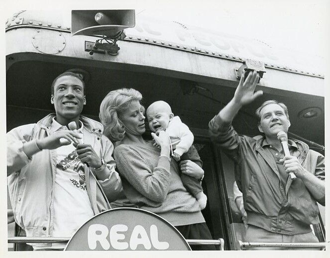 SARAH PURCELL BILL RAFFERTY CRYING BABY TRAIN REAL PEOPLE CAST 1983 NBC TV PHOTO