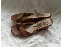 Fly tan leather sandals