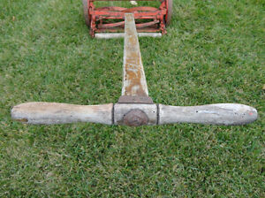 Vintage Belle Isle Early 1910's Cast Iron Reel Mower Still Works Kitchener / Waterloo Kitchener Area image 4