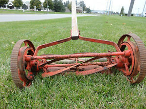 Vintage Belle Isle Early 1910's Cast Iron Reel Mower Still Works Kitchener / Waterloo Kitchener Area image 3