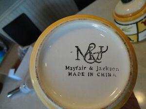 Set of 4 Kitchen Ceramic Cannisters -Flour, Sugar, Tea, whatever Kitchener / Waterloo Kitchener Area image 4