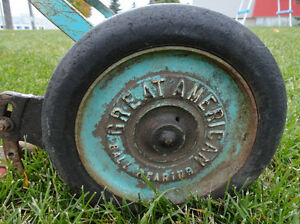 Vintage Great American Late 1940's Reel Push Mower -Still Works Kitchener / Waterloo Kitchener Area image 2