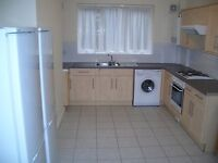 Spacious 6 bed property available for short term let only 2-3 miles from Manchester City Centre