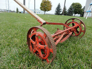 Vintage Belle Isle Early 1910's Cast Iron Reel Mower Still Works Kitchener / Waterloo Kitchener Area image 1