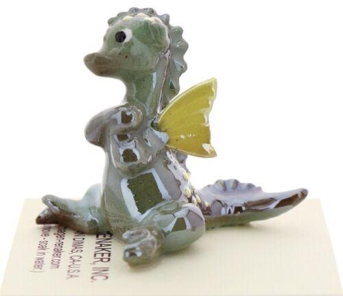 Hagen-Renaker Miniature Ceramic Baby Dragon with Wings Figurine in Green