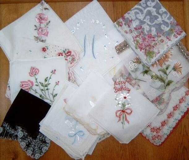 Lot 25 Vintage Ladies Hankies Handkerchiefs Lace Monogram Happy Birthday Flowers