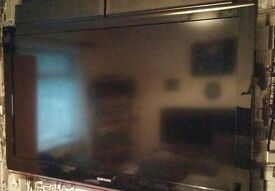 Samsung 46 Inch LCD HD TV, Freeview, Remote. NO STAND Comes with WALL BRACKET. Bargain. NO OFFERS