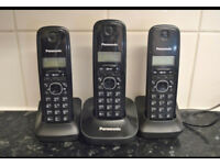 Panasonic kx-tg1611eh set of 3 black phones