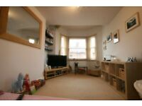 2 Bed Flat In Oval- Seconds from Oval Station