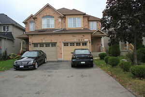 Furnished 3 BR Semi-Detached House in Mississauga