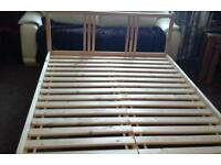 Standard double statted bed with or with out matress