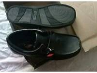 Mens size 8 Lee Cooper shoes