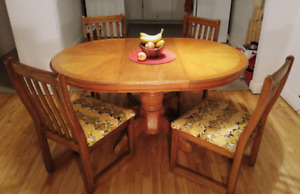 Solid Wood Dinner Set: extendable table, 4 chairs