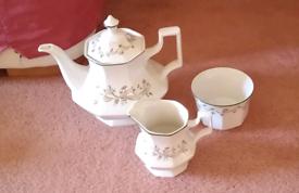 Set of eternal Beau or similar dinner and tea service