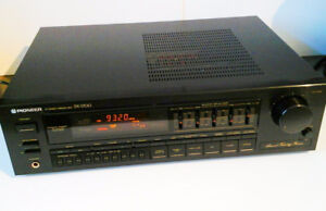 Pioneer SX-1700 Stereo Receiver.