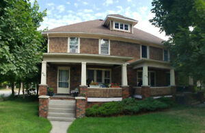 4 PLEX FOR SALE IN CENTRAL SARNIA- CLOSE TO ALL AMENITIES