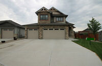 PERFECT FAMILY LOCATION - SHOWS LIKE NEW