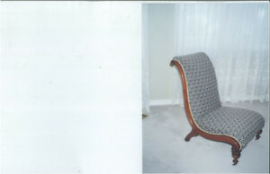 Chaise basse rembourrée - Upholstered Low Chair