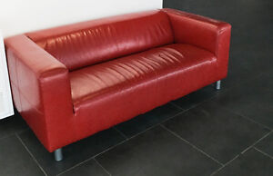 Sofa en Cuir Rouge / Red Leather Couch