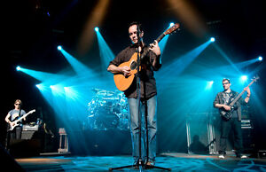 DAVE MATTHEWS @ MOLSON AMPHITHEATRE JULY 19TH FLOORS & SEATS