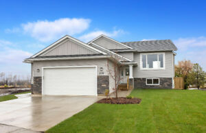 208 Beaveridge Close ~ OPEN HOUSE SATURDAY 12-2