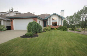 Bungalow for sale Sherwood Park, Completely renovated