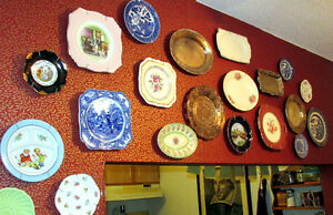 Decorative plates with hangers