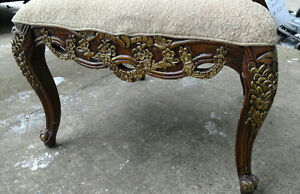 Ornate with 3 drawers office desk with leather top insert Edmonton Edmonton Area image 7