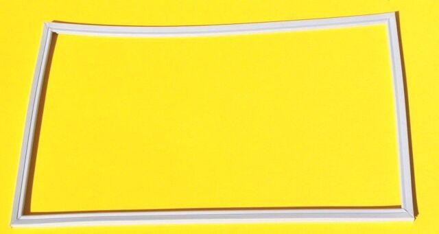 Westinghouse  RE315F Freezer Seal 580X300 Refrigerator Gasket Door Seal