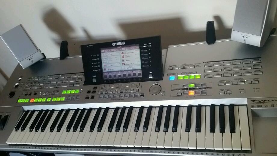 Yamaha Tyros 1 In Burton On Trent Staffordshire Gumtree