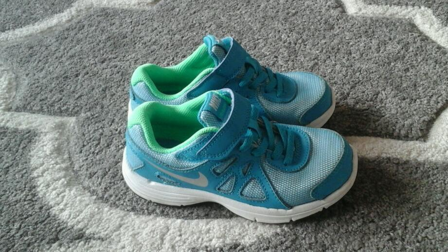 Girl trainers nike branch size 11