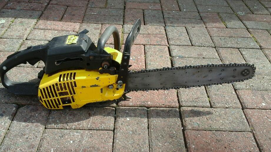 Alpin chainsaw 16inin Lochgelly, FifeGumtree - Alpinn prof 45Chainsaw for sale Spares or repaireCleaning out shed never used for couple years