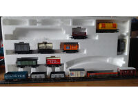 14 Hornby etc. 00 trucks (Lot C, one of six train set lots: see also Lots A, B, D, E and CDE)