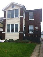 2 bdrm character home with hardwood floors - $825 plus hydro