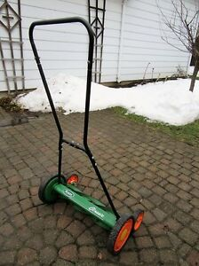 SCOTT'S CLASSIC REEL MOWER with rear tracking wheels for easy ma