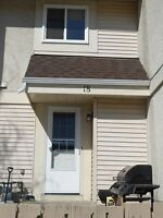 *** SPACIOUS 3 BEDROOM TOWNHOUSE IN DEVON ***