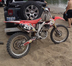 2007 CRF250r MINT VERY LOW HOURS