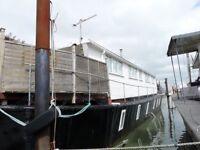 Superb Static Houseboat - Dalgate