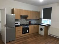 3 Bedroom Flat Near to Stock Well Tube Station