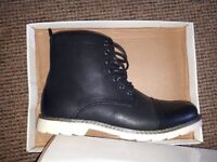 NEW BOXED Mens Faux Leather Military Style Boots Size 8